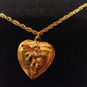 Vintage Angel Cherub Heart Locket Pendant Necklace